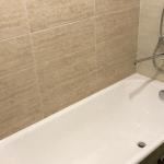 Установка ванны и смесителя с лейкой