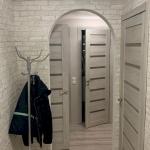 Три двери в коридоре