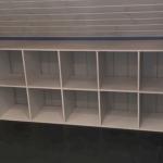 Шкафчик с полочками