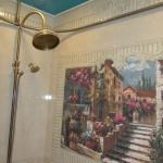 В дизайнерской ванной