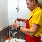 Герметизация раковины, умывальника 🏆 в Москве заказать на дом недорого - Фото 4