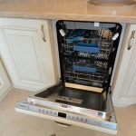 Дверца посудомойки