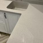 Кухонная столешница со встроенной мойкой