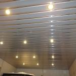 LED-лампы на сайдинговый потолок