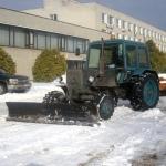 Уборка и вывоз снега 🏆 в Симферополе заказать на дом недорого - Фото 1