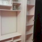 Со шкафом и полочками