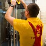 Замена стекла душевой кабины 🏆 в Москве заказать на дом недорого - Фото 2