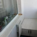 Сиденье-комод и столик