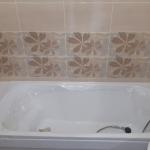Монтаж ванны и смесителя