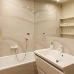 Установка полочки в ванной 🏆 в Москве заказать на дом недорого - Фото 3