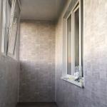 Монтаж покрытия на стены лоджии